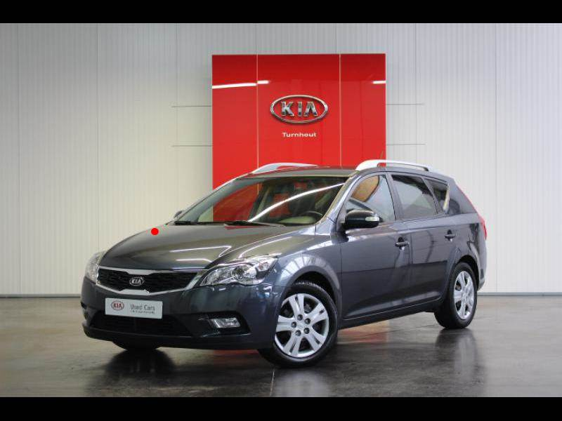 kia ceed ed sporty wagon 1 6 crdi 76342 km. Black Bedroom Furniture Sets. Home Design Ideas